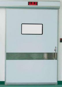气密式平移门是集气密,隔音、保温、抗压、防尘、防火、防辐射于一体的平移式套装门。一般用于医院、食品厂、工业厂房等对隔音、隔热、气密性要求较高的地方。 气密门采用小体积、大功率的直流无碳刷马达,即使频繁开闭,也可长期无故障运行。门体四周装有专业的真空气密胶条、采用独特的压紧技术,保证当门闭合时能与门框紧密配合达到可靠的气密效果。 气密门配有脚控开关和专用拉手,方便医护人员开门,停电时可以使用专用拉手,很小的推拉力就即可开门。 气密门可选用安全传感器,既可有效防止夹人,还可以设置为驱动感应器从室内自动开门;并